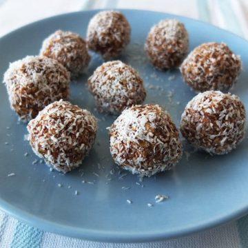 Swedish Coconut and Chocolate Balls