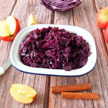 German Red Cabbage and Apples