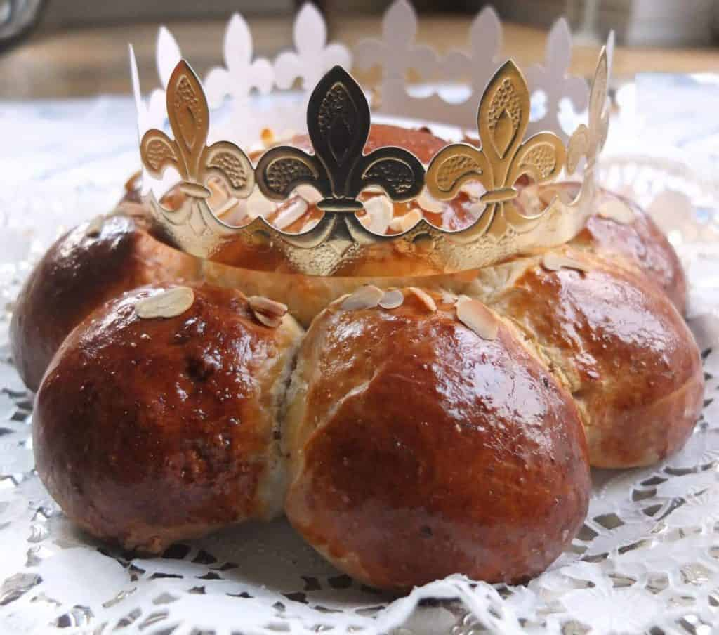 three kings cake and paper crown