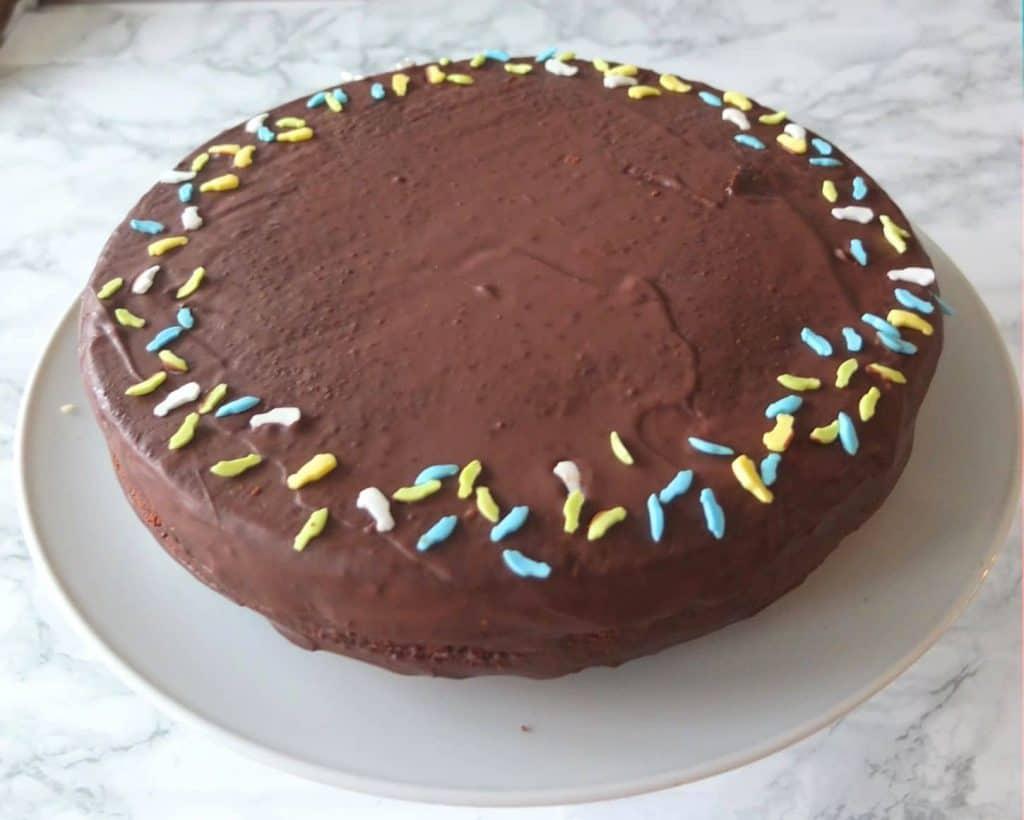 round fanta cake