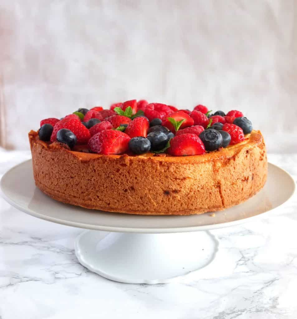 Cheesecake decorated with berries